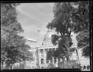 Zeppelin over State House