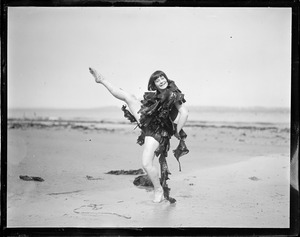 Bathing girl Gertrude Fuller, Revere Beach