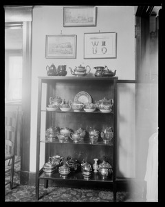 Red Lion Inn: tea kettle collection