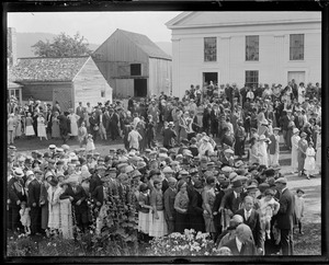 Admirers of Pres. Coolidge at Plymouth, VT