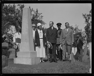 Pres. and Mrs. Coolidge visit Gov. William Bradford's grave in the burial hill cemetery in Plymouth