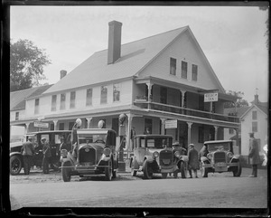 Pres. Coolidge stops at the Gilsum Inn for lunch. His car in foreground.
