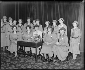 Mrs. Roosevelt and Mrs. Hoover pose with Girl Scouts