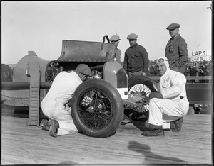Auto races: Famous racer DePalma getting ready at Rockingham Speedway, Salem, N.H.