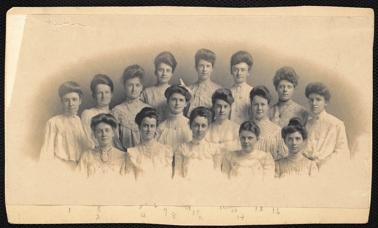 Advanced class of students at Fitchburg State Normal School 1904