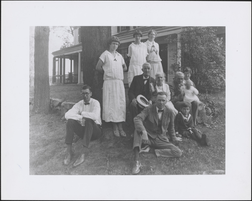 Lizzie Drury Campbell and family at Campbell house on Pelham Island