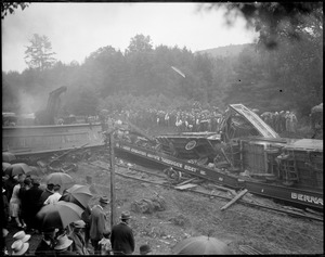 B&M train carrying carnival wrecks in Farmington, N.H. 6 killed.