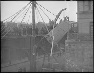 Elevated train wreck - accident