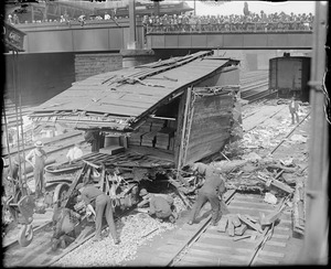 Big freight car accident on the Boston & Albany line: Ties up traffic for a long time