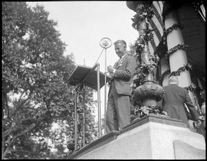 Wilmer Stultz talking over the radio at the Parkman bandstand, Boston