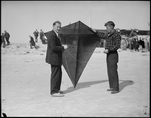 Wilmer Stultz & his man-kite