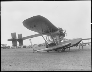 Wilmer Stultz's amphibious plane at East Boston Airport after flight from Saratoga