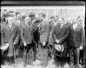 Calvin Coolidge presents Lindbergh with medal