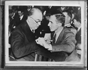 Atty. Riley and Hauptmann (suspect in Lindbergh kidnapping)