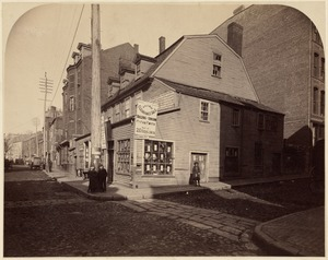 Corner of Columbia and Essex Sts. Headquarters of Lord Percy at the time of the battle of Lexington. All buildings in the distance razed August 1893