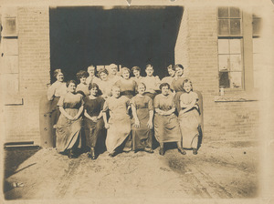 Mill workers, Pacific Mills, Lawrence, Mass.