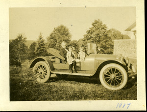 Baldwin family in their automobile