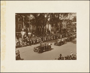 Plymouth Tercentenary celebration, parade, President Day, August 1, 1921, street lined with spectators viewing dignitaries in automobiles