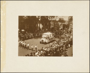 Plymouth Tercentenary celebration, parade, President Day, August 1, 1921, float of the Pilgrim Lodge, I. O. O. L., Manchester Unity, Plymouth