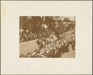 Plymouth  Tercentenary celebration, parade, President Day, August 1, 1921, second prize historical float - landing of the Pilgrims