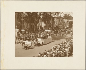 Plymouth  Tercentenary celebration, parade, President Day, August 1, 1921, float of the Knights of Columbus, Plymouth, representing Columbus before Queen Isabella