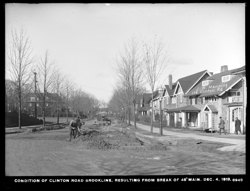 Distribution Department, break, condition of Clinton Road, resulting from break in 48-inch main, Brookline, Mass., Dec. 4, 1913