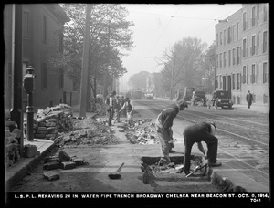 Distribution Department, Low Service Pipe Lines, repaving 24-inch water pipe trench, Broadway, near Beacon Street, Chelsea, Mass., Oct. 8, 1914