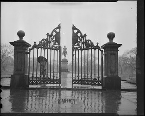 Arlington St. gate of Public Garden