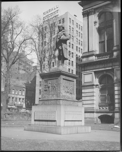 Franklin Statue, City Hall