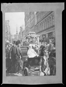 Busy Washington Street scene, Curtis Publishing Company print of W.L. Taylor work, 1901