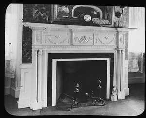 Fireplace and mantle in Edward Everett house