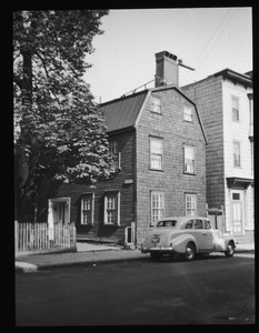 House and tree at 11 Devens Street