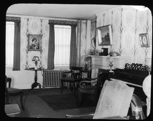 Front parlor at 32 High Street