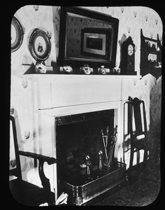 Interior parlour at 3 Pleasant Street Court