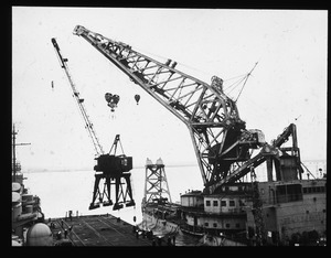 Craneship Kearsarge, lifting 120 ton crane from South Boston.