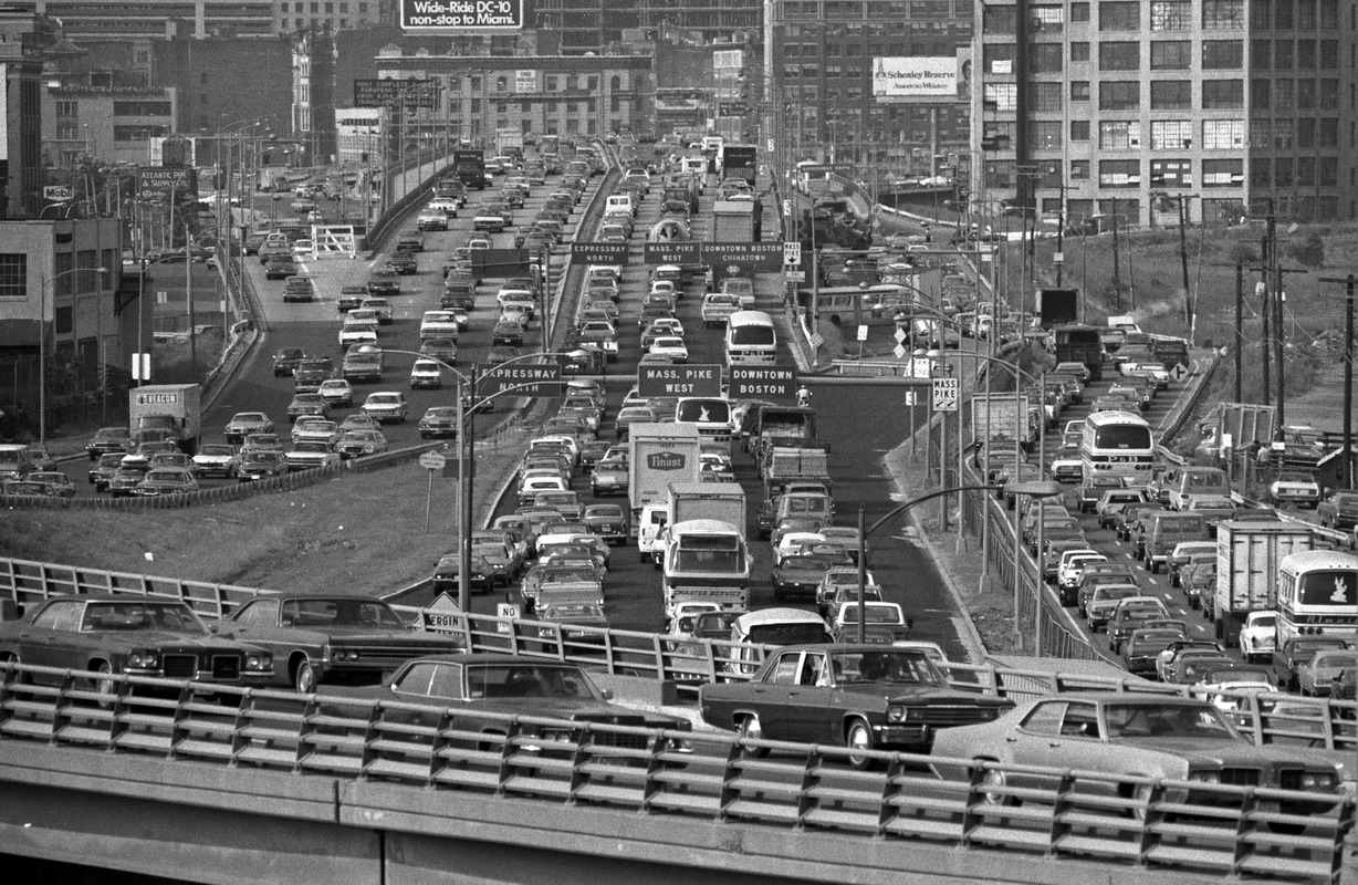 Southbound afternoon traffic, Southeast Expressway, East Boston