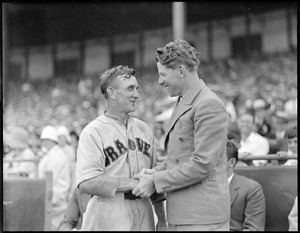 Rudy Vallee and Bill McKechnie, manager of the Braves.