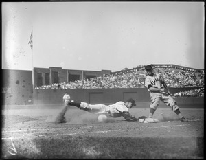 Play at first, St. Louis Browns vs. Red Sox, Fenway Park