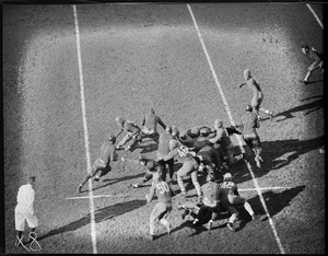 Action at Fenway, Boston Redskins play Portsmouth Spartans