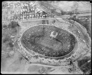 Aerial photo of Yale Bowl during Yale-Army game