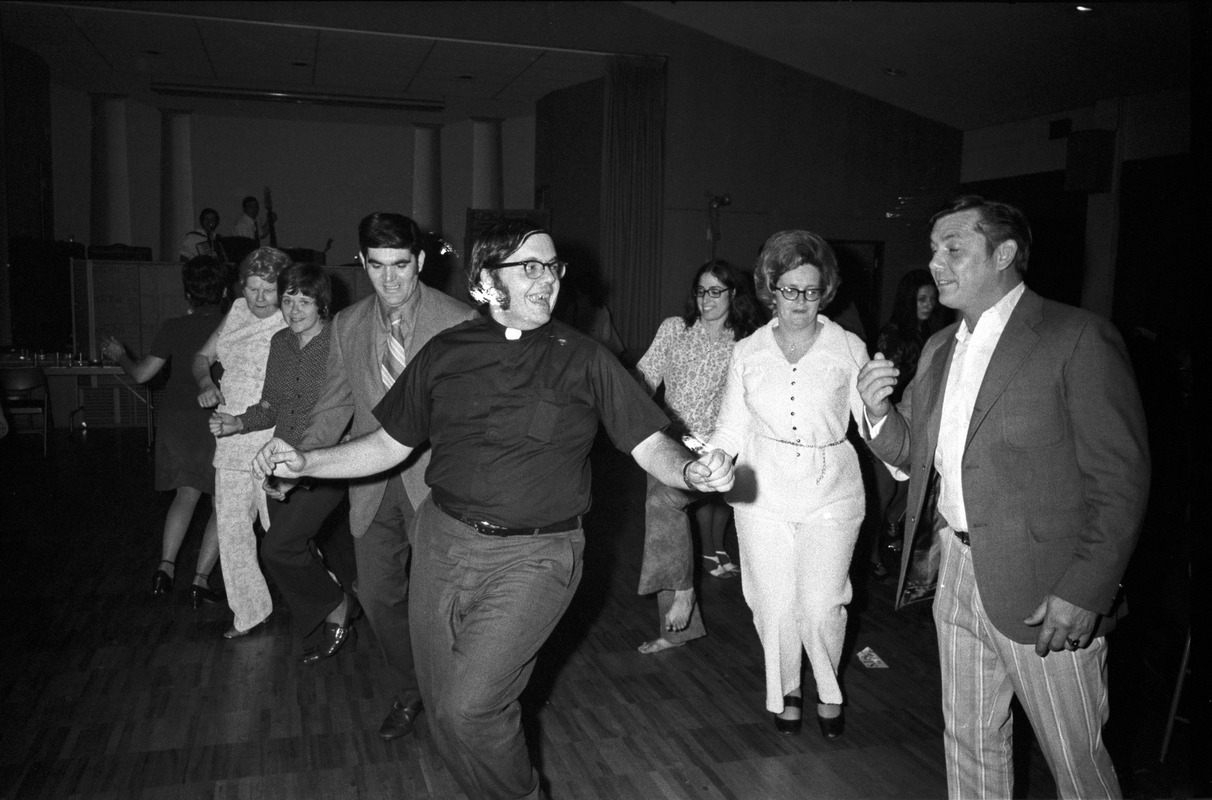 Dancing priest celebrates S. Lester Ralph's mayoral victory, Somerville -  Digital Commonwealth