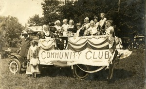 Women's Community Club, July 4, 1926 Parade
