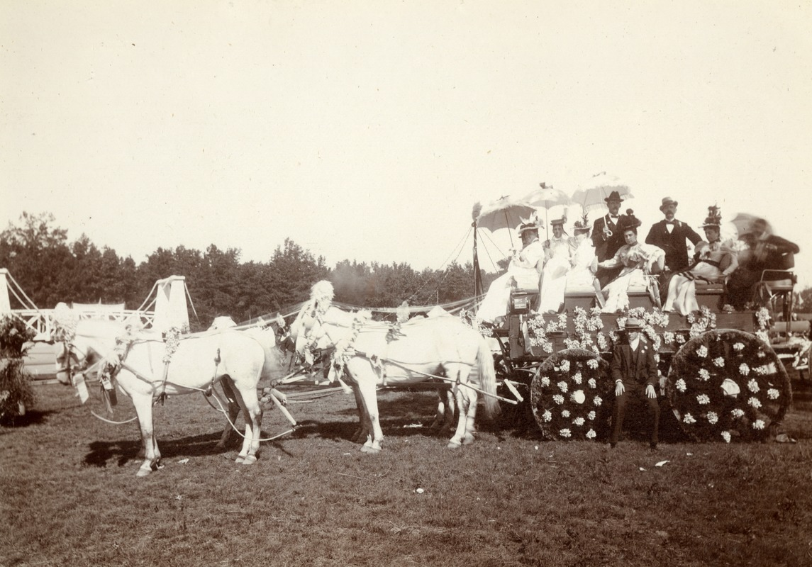 Tally-Ho. Miss Wise and friends. Greenfield Coaching Parade photo 4