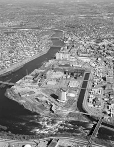 Pawtucket Falls looking east with Merrimack River on left