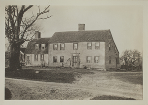 First view of Ephraim Hartwell House, Minute Man National Historical Park, c. 1904.