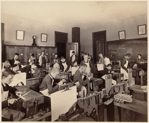 Appleton Street (1st view) - shop classroom - interior