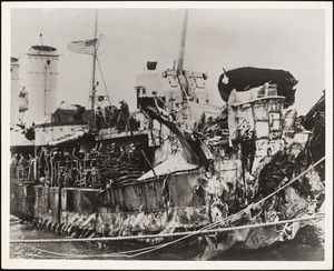 DD-623 USS NELSON Torpedoed-Picture shows battle damage to stern. Repaired by NYBos Returned to fleet 11.1944