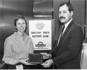 Barbara Stevens receives WBCA Victory Club award
