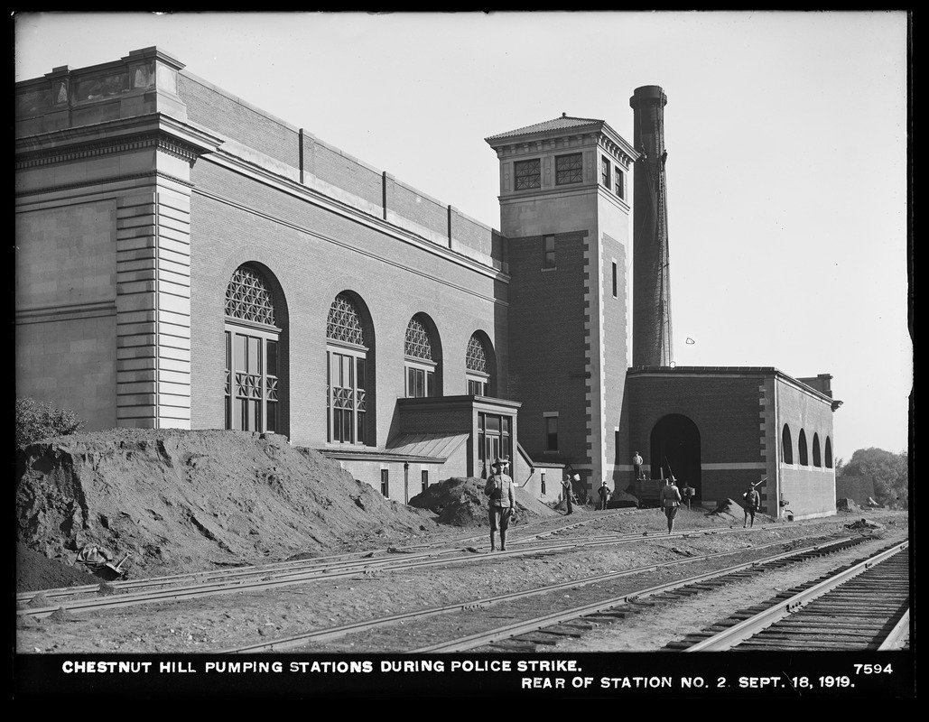 Distribution Department, Chestnut Hill Pumping Station, during Boston police strike, rear of Low Service Pumping Station, Brighton, Mass., Sep. 18, 1919