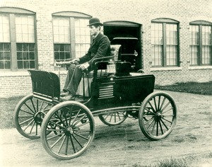 Grout Brothers motor carriage